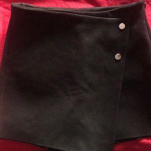 Button detailed skort from Zara